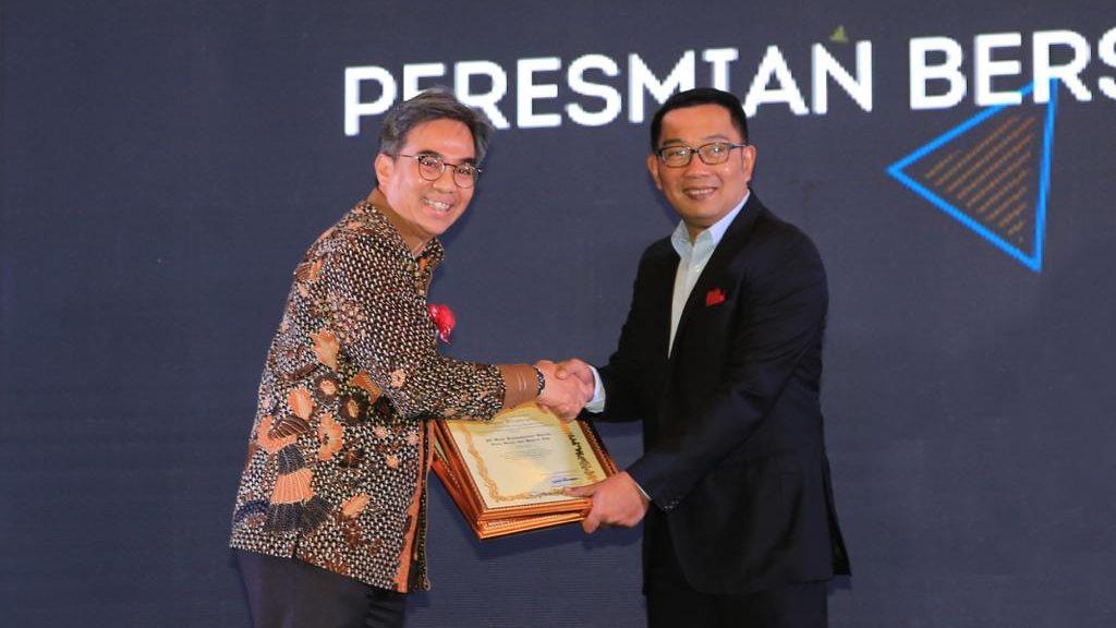 bank bjb Raih Penghargaan Mitra Pembangunan Jawa Barat ...